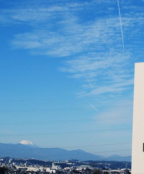 2015-1121-富士山と飛行機雲.jpg